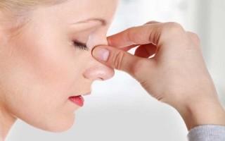 При каком давлении идет кровь из носа симптоматика, прогнозы и пути блокирования кровотечения