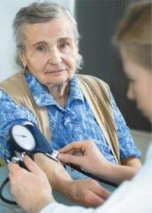 Высокое давление: более 40 причин, симптомы, что делать в домашних условиях?